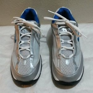 Nike Athletic Low Top Sneakers